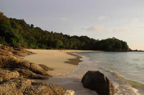 пляж фридом freedom beach пхукет: описание, как добраться